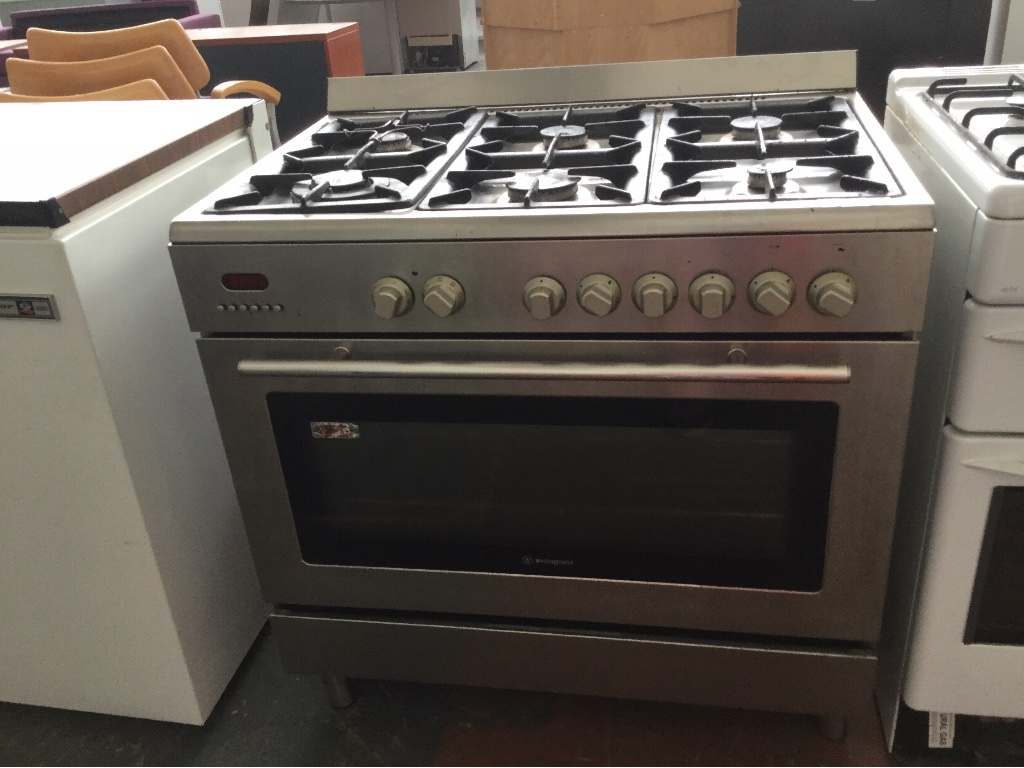 Westinghouse Freestanding Stainless Steel Electric Oven, 6 Burner Gas  Cooktop (Not Tested/Sold As Is) [93904+3]