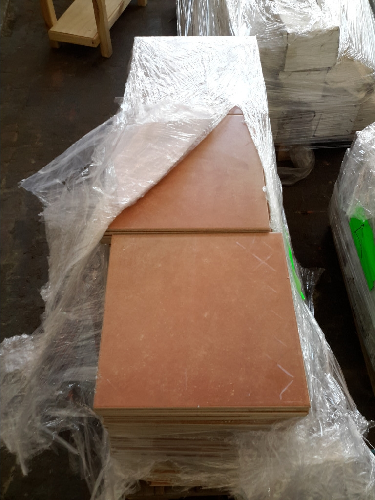 Quantity of loose floor tiles 315mm x 315mm approx 170pce 9428811 lot 31 quantity of loose floor tiles 315mm x 315mm approx 170pce 9428811 dailygadgetfo Choice Image