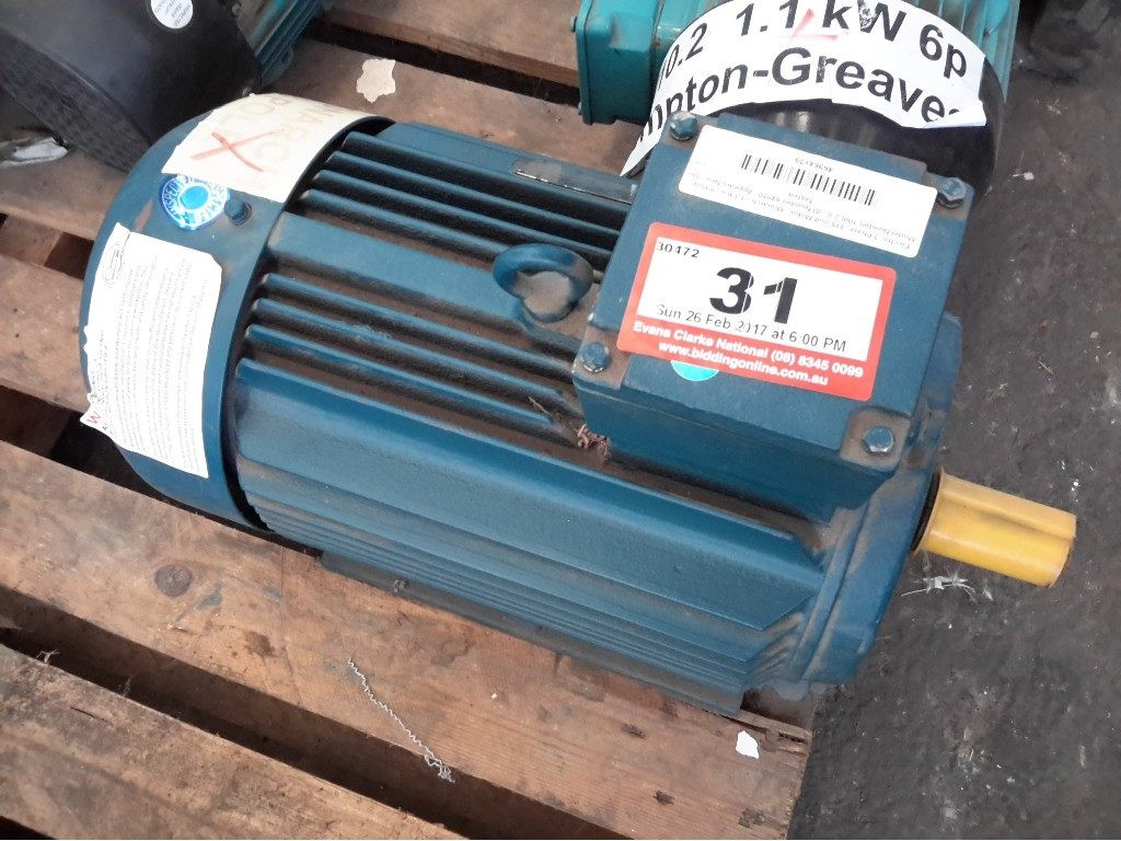 Electric 3 Phase, 415 Volt Motor - Monarch - 1.1 Kw - 8 Pole - Model ...