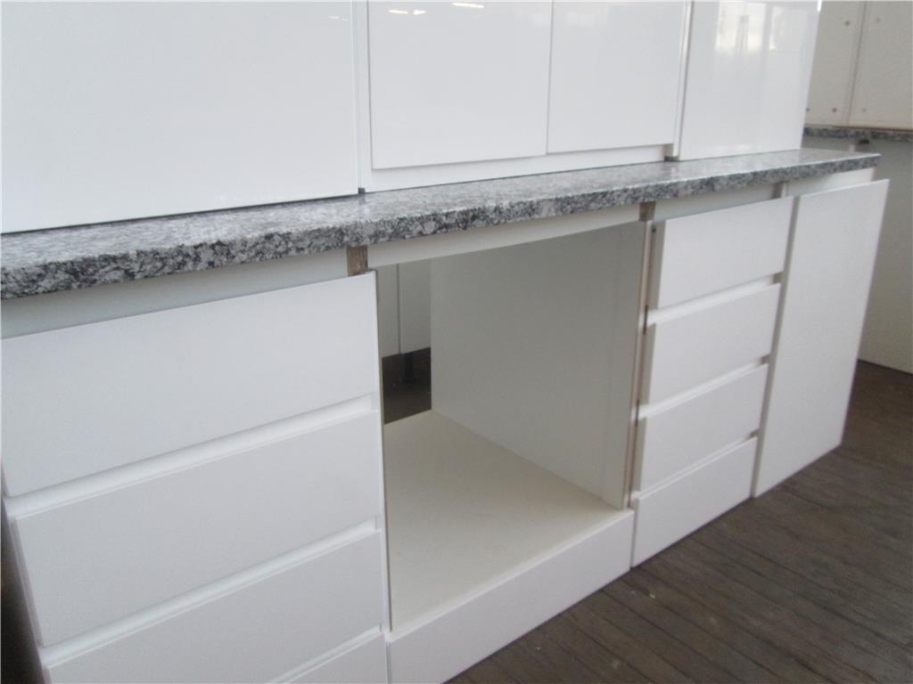 Kitchen - Length 2500mm x Depth 800mm x Height 820mm, Black & White ...