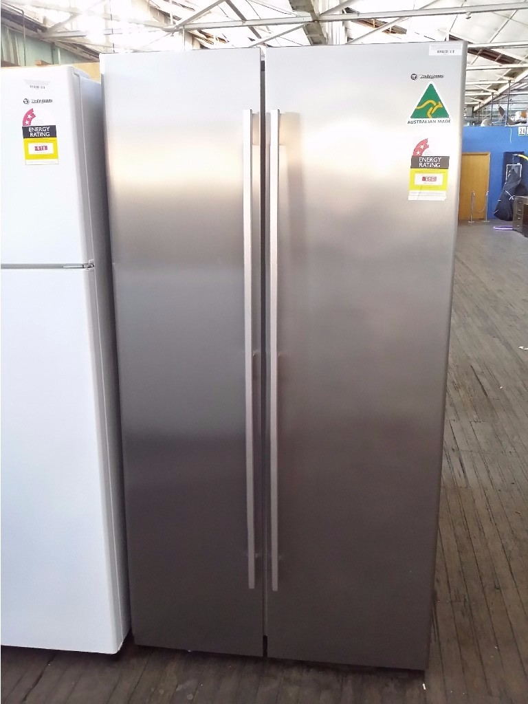 Westinghouse 610l Stainless Steel Side X Fridge Model Frost Alarm A Finish 610 Litre By Free Freezer Featuring Humidity Controlled Crispers Spillsafe Glass Shelves Door