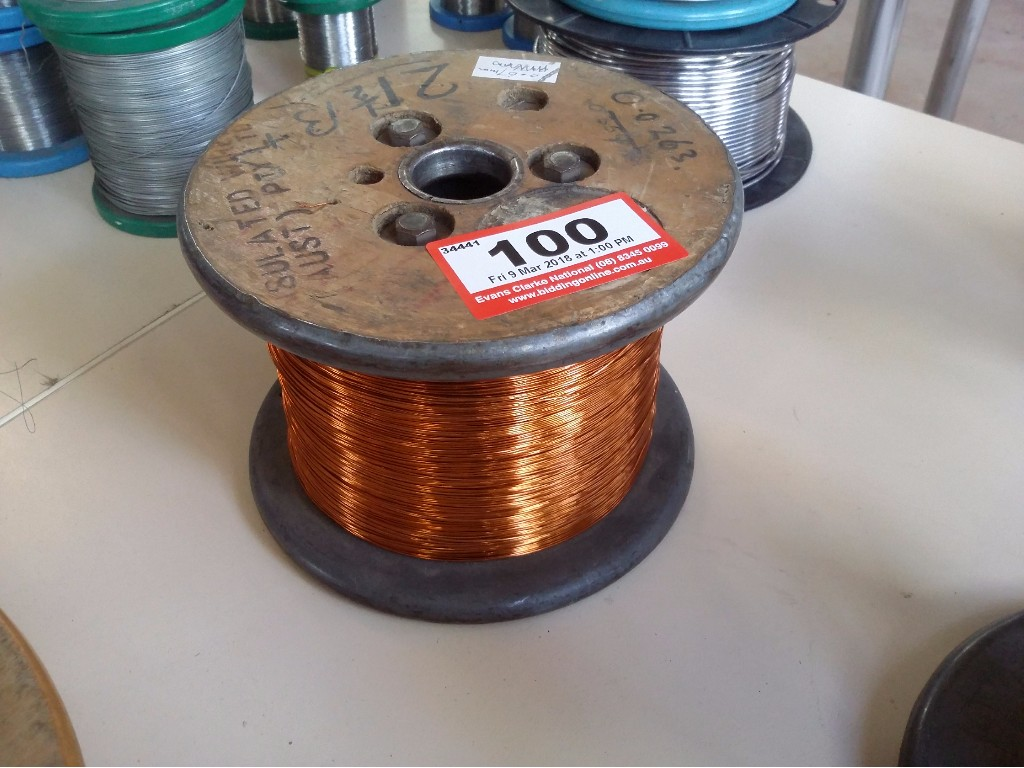 Großzügig 220 Volt Elektrodraht Fotos - Schaltplan Serie Circuit ...