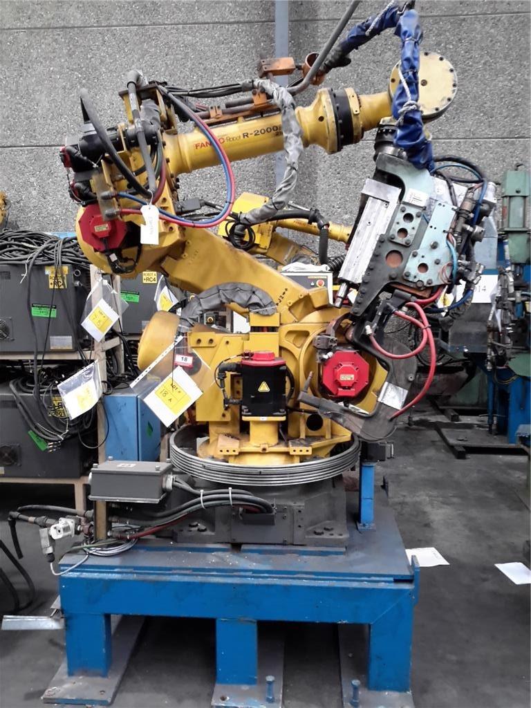 Fanuc Rr2000ib Robot Arm YOM 2007 with Fanuc RJ-iB Robot