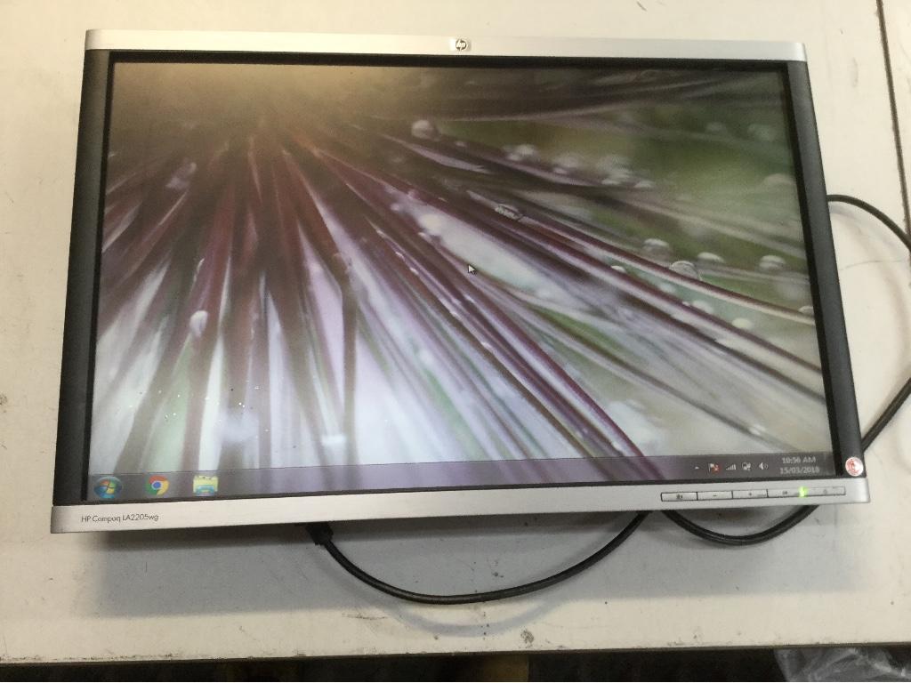 fdaa7e71a1b 3 Monitors, 22