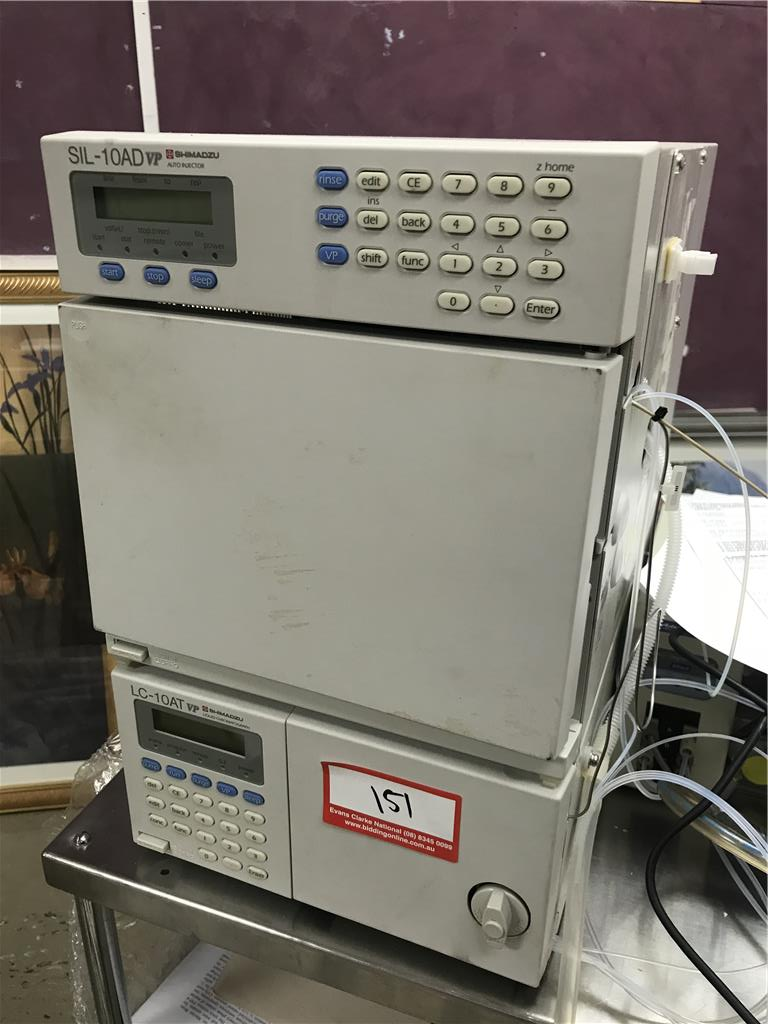 HPLC Shimadzu Auto Injector Machine, LC-10AT, Sil10ad, SPD-M10A, SCL10A And  User Manuals, Not Tested