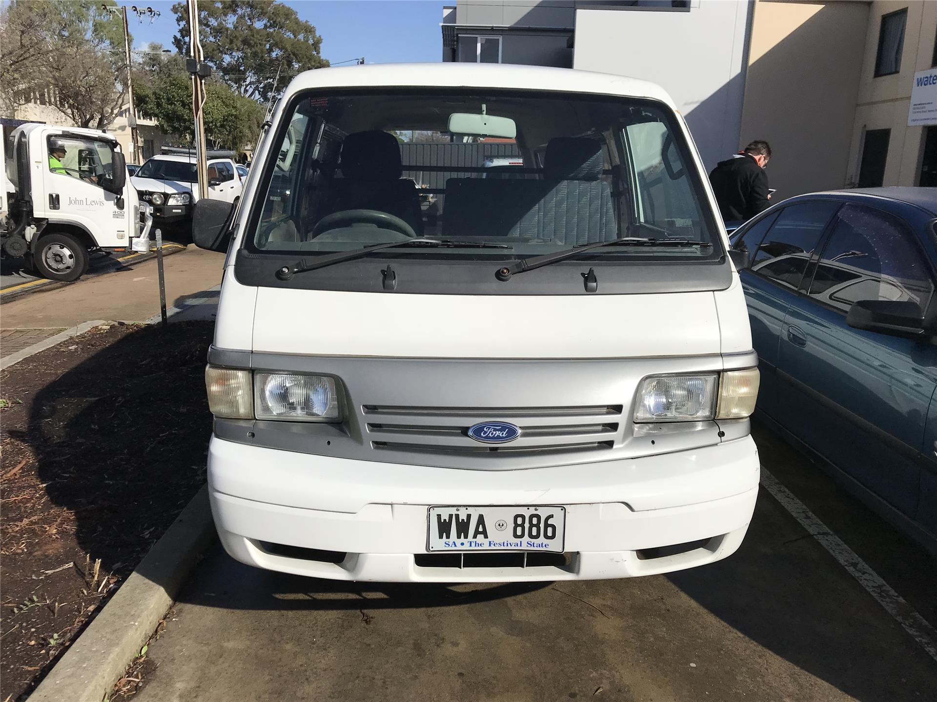 Van, Ford Econovan (02/02), Petrol, Manual, 196106km Indicated, White  Registration: Wwa-886(Exp.11/08/18), VIN Number: Jc0aaaSGME2L15604