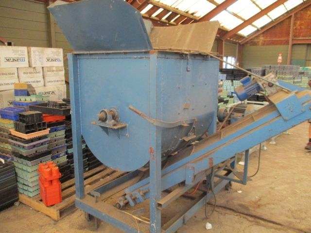 Soil/ Feed Mixer with Bottom Feed Out Conveyor - 3phase 415 Volt