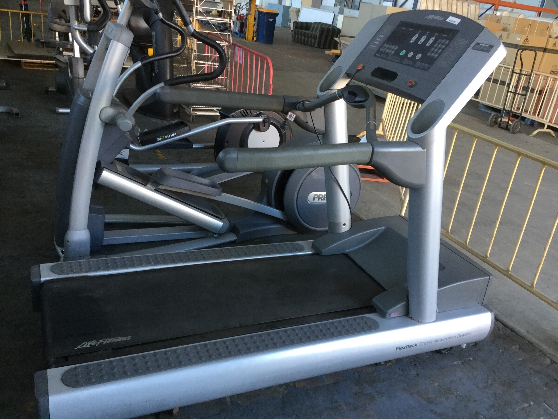 Commercial Treadmill, Life Fitness, 23kmph 180kg User Weight