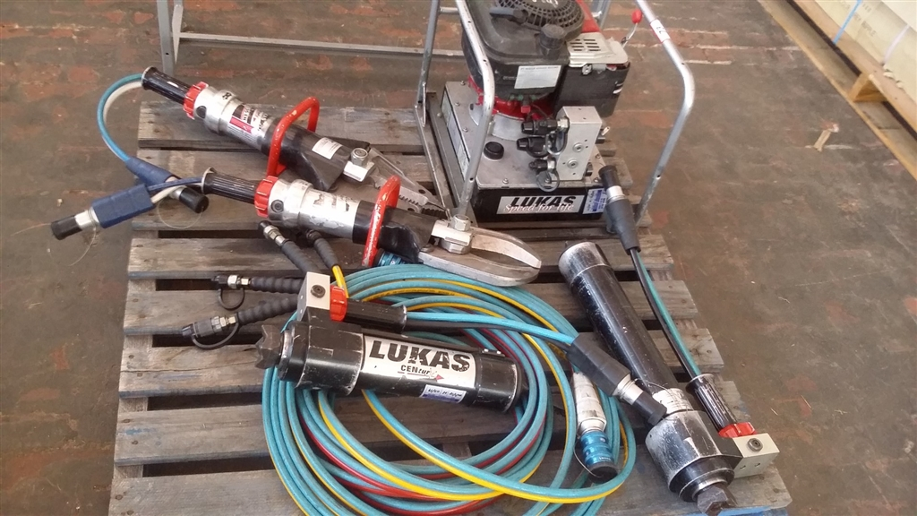 Road Rescue Equipment -Lukas Rescue Tools-Includes Cutter
