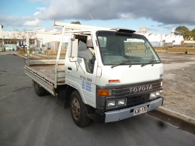 Toyota Dyna 200 Traytop 1992 -Diesel -175,208 Kilometres