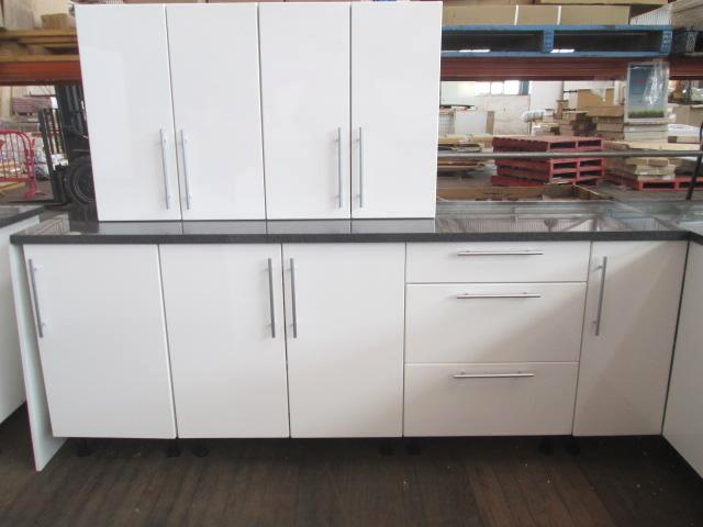 Kitchen suite new l shape length 2780mm x width for Kitchen cabinets 800mm wide